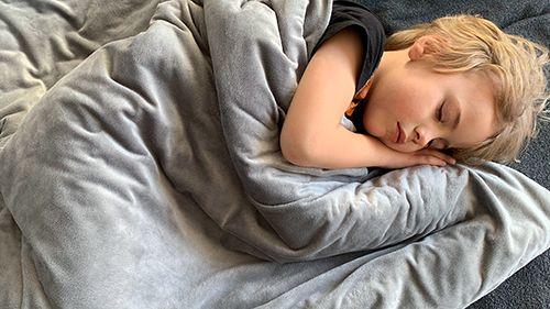 Find ro og sov godt med et vægttæppe - hvorfor??