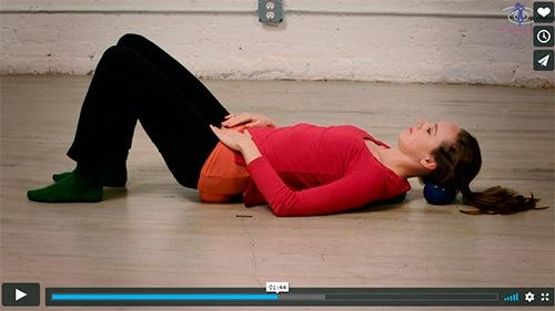 Frigør din ryg med disse Franklin Method bold øvelser