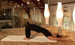 To indledende Yoga øvelser