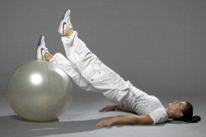 e3105b226f1 Læg bolden længere væk. Eller flyt armene gradvist fra gulvet.