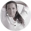 Camilla Lund sørensen er jordemoder, yogalærer og lydterapeut.
